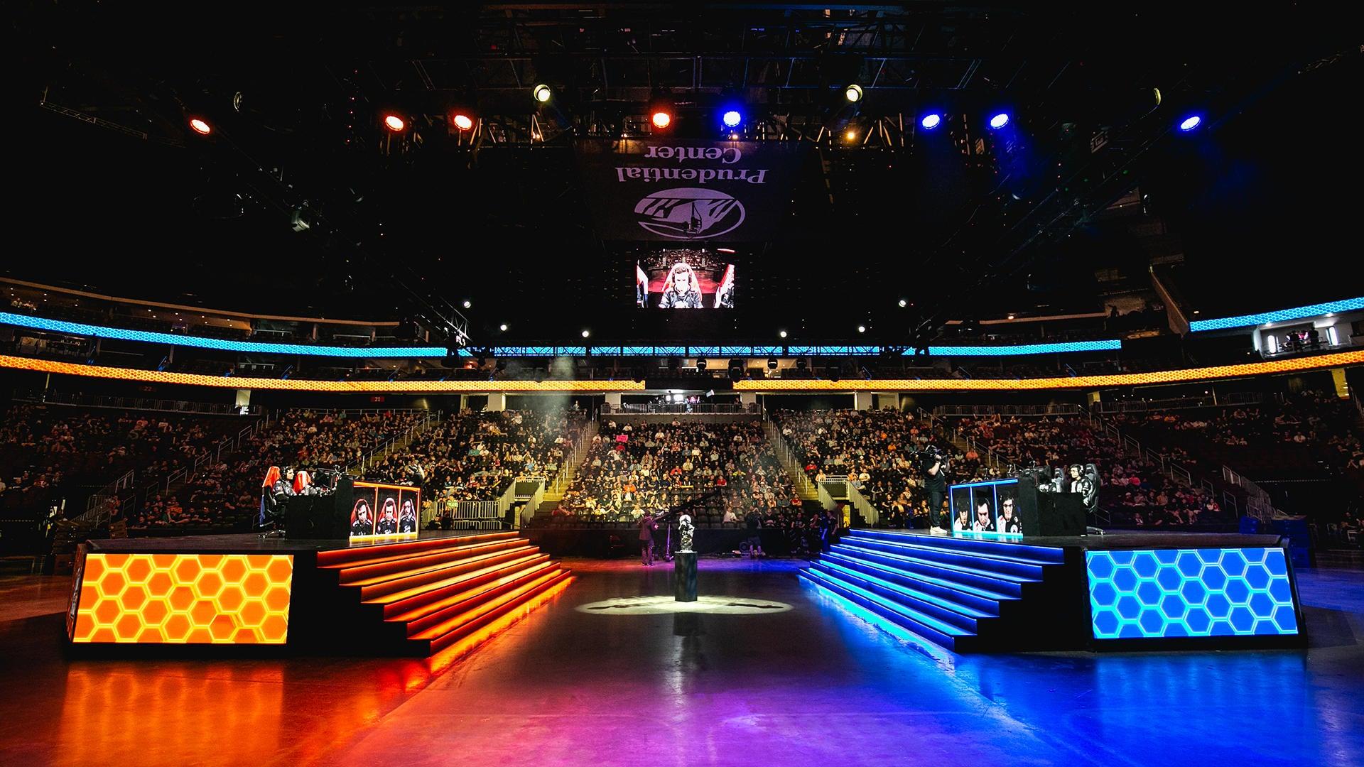 World Championship: Day 1 Takeaways Image